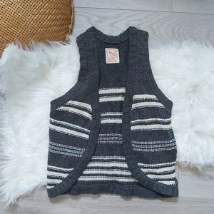 Garage wool sweater vest